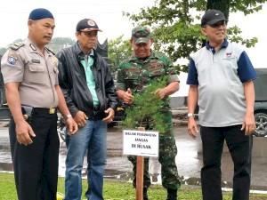 Disparbud Padang Kerahkan Pegawai Bersihkan Pujasera