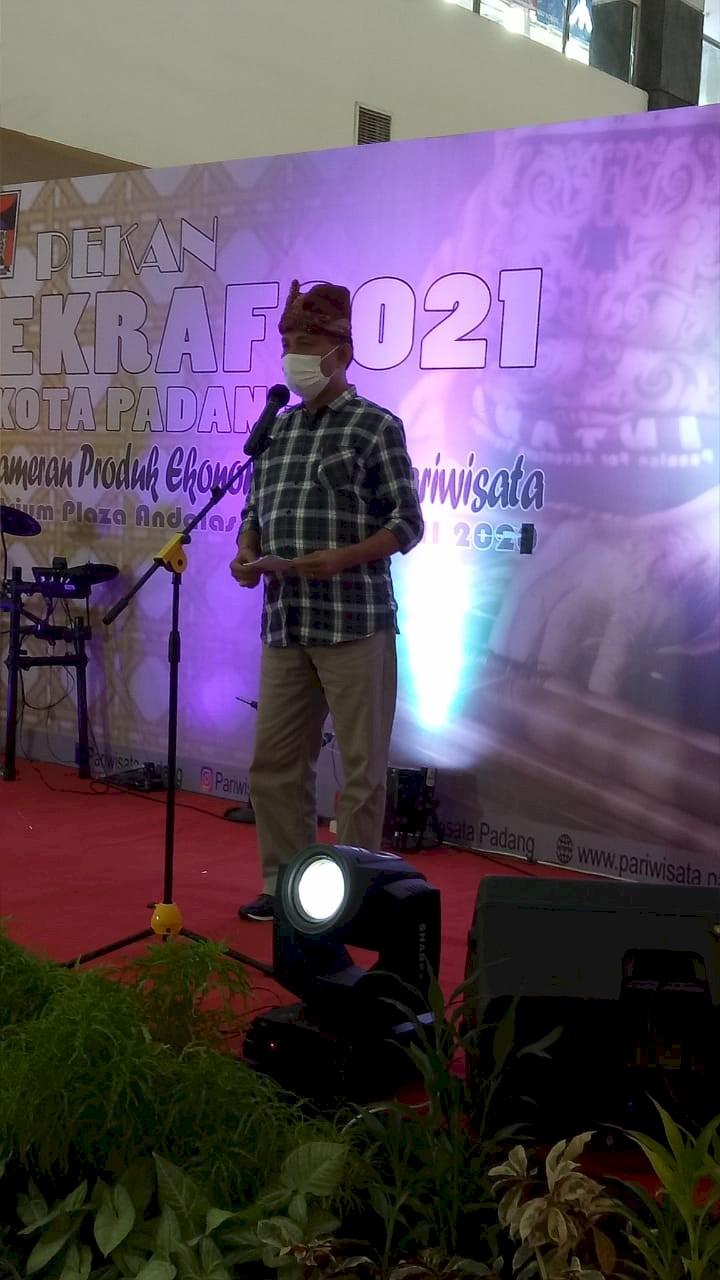 Kadis Dinas Pariwisata Kota Padang (Drs. Arfian) :