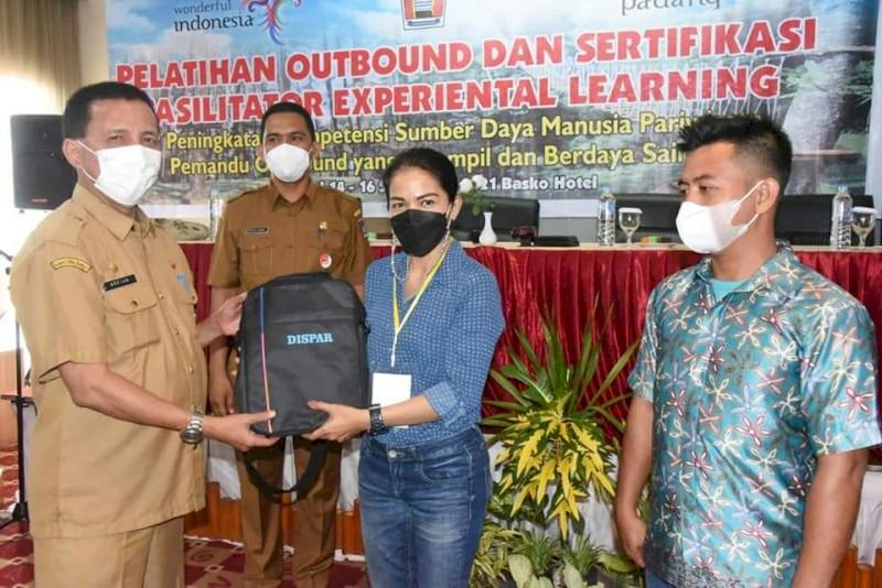 Dongrak Sektor Pariwisata,, Dinas Pariwisata Kota Padang gelar Pelatihan Pemandu Outbond.